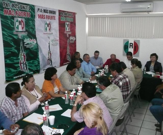 El PRI mantiene reuniones con otras fuerzas politicas