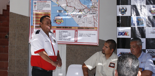 """El Club La Paz de automovilismo, tiene todo listo para el banderazo hoy de la tradicional carrera """"Dos Mares-500""""."""