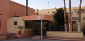 Personal de custodia del Centro de Readaptación Social de La Paz denuncia el abuso de poder que tiene un interno que purga condena por homicidio, el cual además de tener en su celda 2 equipos laptop y aparatos celulares, se le permite consumir drogas