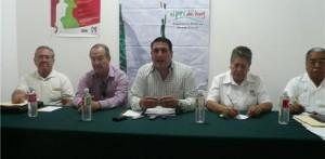 Durante la conferencia de de prensa de la dirigencia del PRI, se cuestionó el dispendio de recursos de los funcionarios públicos que están en campañal, entre ellos el titular de la SEP, Omar Castro.