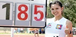 Fabiola Ayala se ubicó en la segunda posición en salto de altura del evento Relevos Mount Sac en Los Angeles, California.