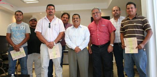 El secretario general del Gobierno del Estado, Luis Armando Díaz, realizó una importante gira de trabajo por el municipio de Comondú, quien por instrucciones del Gobernador del Estado, atendió de cerca la problemática de la ciudadanía.