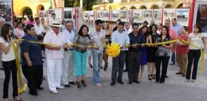 Qué inaugurada la Exposición Fotográfica Bellezas Naturales de Baja california Sur, en Plaza Puerto paraíso donde estuvo presente Alejandro Moreno, Sub Director de Turismo Nacional.