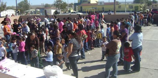 La delegación de La Bocana festejo a los niños y a las mamás en su día (Germán Cota).