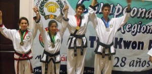 La paceña Brissa Paola Liera Rubio ganadora de medalla de oro en formas individuales en torneo realizado en este mes de mayo en la ciudad de Mazatlán, Sinaloa.