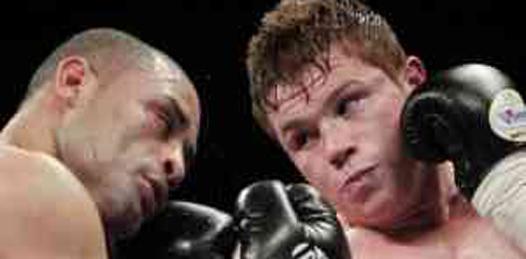 """El boxeador Saúl """"Canelo"""" Alvarez dio un paso importante en su trayectoria, al derrotar por nocaut en nueve rounds a José Miguel Cotto, en combate programado a 10 asaltos en peso welter."""