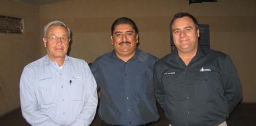 Ingeniero Mike Laflamme, ingeniero Eduardo Cabrera y Ángel Jesús Rodríguez, directivos de la empresa Minera y Metalúrgica del Boleo (Enrique Montaño).