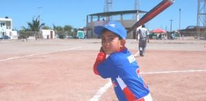 El bateo oportuno y el efectivo pitcheo se conjugaron para el campeonato de la Liga Roberto Ibarra de La Paz en el estatal iniciación.