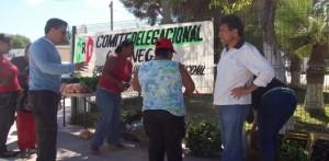 El comite delegacional del PRI emprende el proyecto de horticultura, para el apoyo de las familias de la comunidad.         ( Javier Castillo C. )
