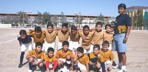 """Con victoria de 3-1 sobre su similar de Optica Valdez, los Pumitas de Jorge Rieke se proclamaron campeones 2002-03 del futbol """"Guillermo Orozco."""