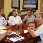 El gobernador Narciso Agúndez recibió en su despacho a la mesa directiva de EMPRHOTUR, ante quienes reiteró s respaldo a fin de fortalecer la conectividad aérea de La paz con otros puntos del país y de la Unión Americana