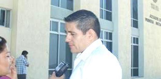 Jorge Vargas, Director Municipal de Ingresos acudió voluntariamente a declarar por el caso de las 113 hectáreas, donde al parecer no le tomaron la declaración porque lo llamarían posteriormente (Lupita Gómez)