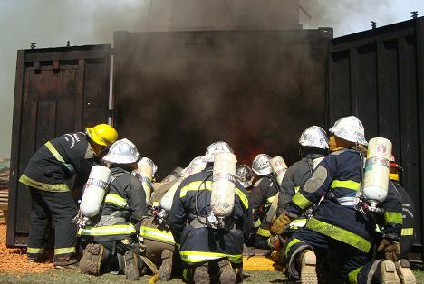 Las autoridades anunciaron que los tiempos de respuesta desde la activación de la alarma y el llamado a las autoridades hasta la final contención del fuego y supervisión del inmueble fueron un éxito.
