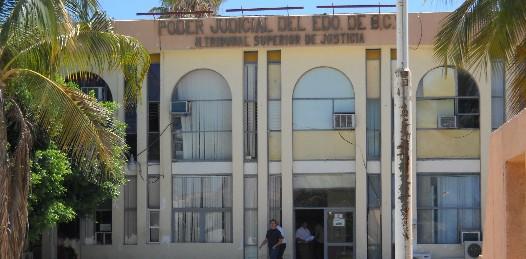 El Tribunal Superior de Justicia del Estado sigue sin solventar las observaciones de la Cuenta Pública 2008, a pesar de que el término venció el pasado 17 de junio.