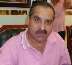 Ante el Regidor Héctor Aragón, ante la Contraloría, Secretaría General y el Alcalde René Núñez, denunciaron a Antonio Montaño y a un inspector que totalmente ebrio chocó un Toyota modelo 2010 y con un vehículo oficial.