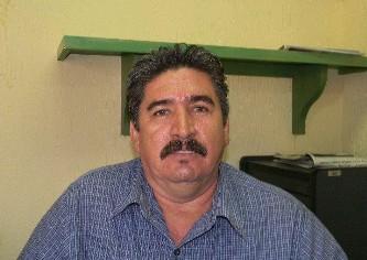 Regidor Gustavo Castro Sánchez. Va en contra de los aviadores.