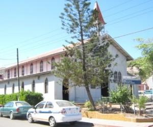 El INAH en coordinación con el comité iniciaron la restauración de la iglesia de Santa Bárbara (Enrique Montaño).