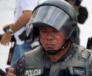 De acuerdo a la información proporcionada por el presidente de la CEDH, Miguel Angel Ramos Serrano, en el período que se informa de las 289 quejas admitidas, detalló que 4 en contra de la Procuraduría General de Justicia del Estado, 64 de la Dirección de Seguridad Publica Municipal; 32 hacia la Policía Estatal Preventiva, 36 contra el Ejército y 10 a la AFI.