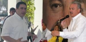 """Así, Barroso es quien al parecer deja la puerta abierta para quien o quienes sin ser priistas y aspiren a puestos de elección popular por ese partido, puedan entrar, con el único requisito de """"ser competentes y con servicio hacia los sudcalifornianos"""", ¿cualquier parecido con Marcos Covarrubias que """"no está encaprichado por la gubernatura, y no tiene intereses personales"""" será mera coincidencia?."""