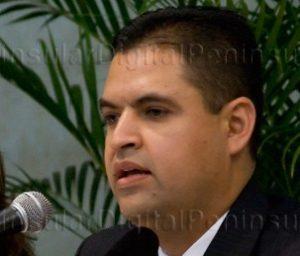 Lennin Giovani Rodríguez Aguilar, dio a conocer que se llevó a cabo una reunión de trabajo con los titulares de las áreas del Sistema Estatal de Seguridad Pública, con el objetivo de dar seguimiento a los lineamientos y procedimientos de la información requerida para el proceso de Entrega-Recepción 2005-2011 de la actual Administración Pública.