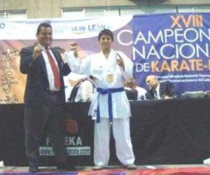 Wilbert Caamal, de la disciplina de karate do, fue electo Entrenador del Año en Baja California Sur.
