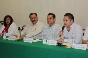 Luis Humberto Araiza López, sustituye en el cargo a Carlos Mendoza Davis en la delegación del IMSS.