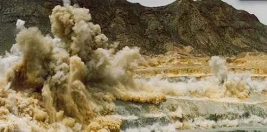 """Aunque """"definitivamente"""" continúan proyectos mineros con los ojos puestos en las comunidades de San Antonio, El Triunfo y Los Planes, la dirección de Desarrollo Económico Municipal se mantiene a la """"expectativa"""" de las determinaciones convenientes a """"las autoridades ambientalistas"""" para poder fundamentar su apoyo o su rechazo a este tipo de desarrollos, indicó Sergio Gutiérrez de la Barrera, titular de la dependencia."""