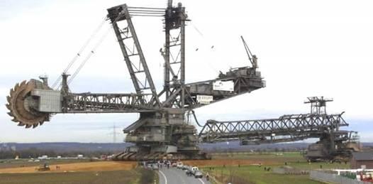 Esta es una de las máquinas usadas para la extracción de mineral a cielo abierto que se usan en yacimientos como los que se pretenden abrir en La Laguna
