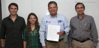 Firma_Compromiso_Pipi_Ibarra