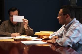 Keith Ross Guillins, de Los Cabos, e Iván Figueroa, de Sonora, han sido los escritores que resultaron vencedores en esta edición 2011, en cuento y poesía respectivamente, además de la publicación de su obra, el Instituto Sudcaliforniano de Cultura (ISC) los premiará con $50,000 pesos a cada uno.