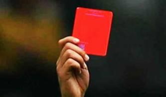 La Asociación del Fútbol Argentino (AFA) dijo que el árbitro Damián Rubino dispuso esa medida, anunciada en su informe del lunes, luego del partido en el que Claypole venció 2-0 el sábado en su casa a Victoriano Arenas.