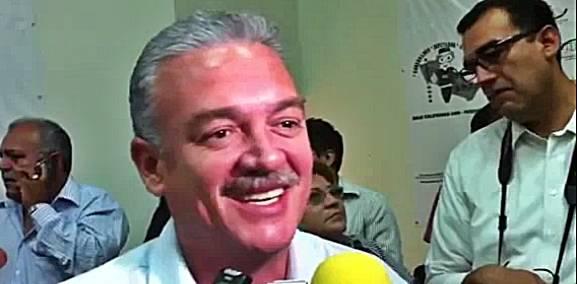 Covarrubias Villaseñor explicó que antes de determinar quienes serán sus colaboradores en la administración, sostuvo una apretada agenda de visitas a las secretarías de estado del Gobierno Federal.