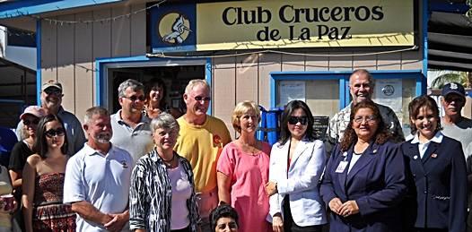 Entrega Club Cruceros donativos a Cruz Roja y Centro Oncológico