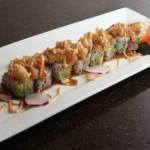 Desde Japón Vivi Sushi tiene una nueva adquisición, un experimentado cocinero de sushi tradicional que ha sabido combinar una extraordinaria gama de frutas, mariscos y salsas para preparar los mejores rollos de sushi, sin duda, de La Paz.