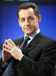 Dos valientes abogados franceses, demandarán ante los tribunales al presidente de la República Nicolas Sarkozy por crímenes contra la humanidad en Libia. Un representante de la justicia libia declaró en Trípoli que los juristas Roland Dumas y Jacques manifestaron la voluntad de querellar al mandatario, en nombre de las víctimas de bombardeos de la OTAN