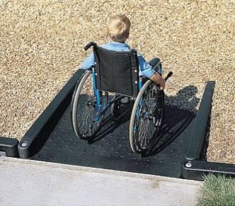 Han iniciado trabajos en pro de la gestión de mayor cantidad de accesos para discapacitados, así como sanciones y atención adecuada a quienes se estacionan en cajones y rampas especiales.