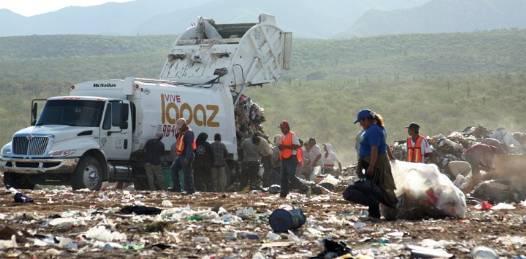 Juan Rafael Elvira Quesada, secretario de Medio Ambiente y Recursos Naturales,  anunció ayuda federal para lograr que la mayoría de la basura del estado termine en rellenos sanitarios.