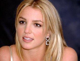 Romagnoli manifestó que continúa firme en su propuesta de ofrecer a la audiencia talento de talla internacional, por ello cerrará las negociaciones con la cantante Britney Spears, y el domingo próximo el concepto The Village People será el invitado especial en La Academia.