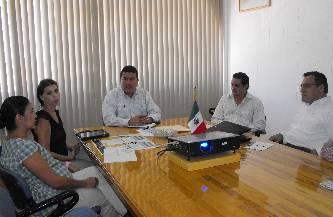 El M. en C. Gustavo Rodolfo Cruz Chávez, Rector de la UABCS, sostuvo una reunión de trabajo con miembros de la asociación Vida y Familia A.C., el pasado 20 de septiembre de 2011, en la Sala de Rectores de la universidad.