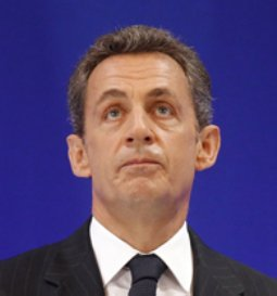 Entre las primeras consecuencias de la victoria de la izquierda, se prevé que sea imposible llevar a la Constitución francesa la llamada 'regla de oro', que fijaría el equilibrio presupuestario, y que Sarkozy se había propuesto como meta.