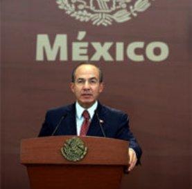 El presidente Felipe Calderón anunció cambios en el gabinete, una reestructuración que tiene en miras, principalmente, la carrera presidencial en el PAN y rumbo a 2012.