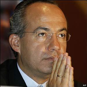 Calderón se comprometió a hacer lo necesario para que la contienda en la que se elegirá Presidente de la República, 500 diputados y 128 senadores, transcurra en un ambiente de imparcialidad.