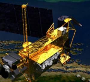 Los científicos calculan que el satélite se despedazará al entrar en la atmósfera y que al menos 26 grandes piezas del artefacto sobrevivirán a las altas temperaturas del reingreso y caerán sobre la Tierra.