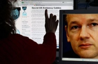 """""""WikiLeaks nos advirtió de la difusión inminente de informaciones y de su intención de continuar publicando documentos clasificados"""", declaró en París la portavoz del Departamento de Estado estadounidense, Victoria Nuland."""