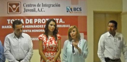 Nombra Kena Moreno a la primera dama estatal presidenta honoraria de CIJ