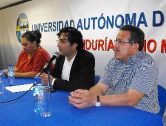 """El Dr. Oswaldo Zavala presentó en la UABCS la Conferencia """"Literatura y narcotráfico""""."""