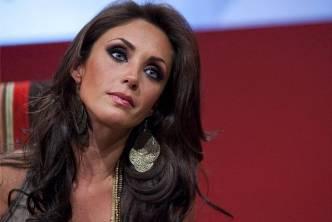 La ex integrante del grupo pop RBD y actual protagonista de la telenovela Dos Hogares es la primera cantante latinoamericana en unirse a la campaña que promueve la paz en el mundo, en la cual también participa la viuda de John Lennon, Yoko Ono.