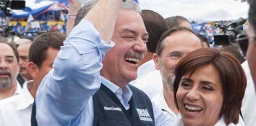 En tierra caliente, Covarrubias Villaseñor dirigió un mensaje sobre el problema de seguridad que fue captado por medios locales.