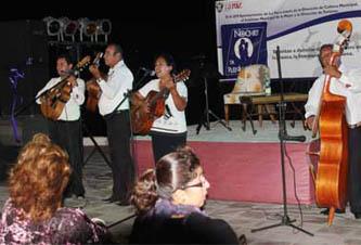 Celebrando las Noches de Plenilunio el pasado jueves, se presentaron los galardonados del concurso de Cuento de Todos Santos 2011.