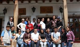 """Los estudiantes de la Licenciatura en Turismo Alternativo de la UABCS acudieron a la """"Competencia de Ciclismo de Montaña"""" con motivo de los XVI Juegos Panamericanos Jalisco 2011, celebrada en Tapalpa, Jalisco."""